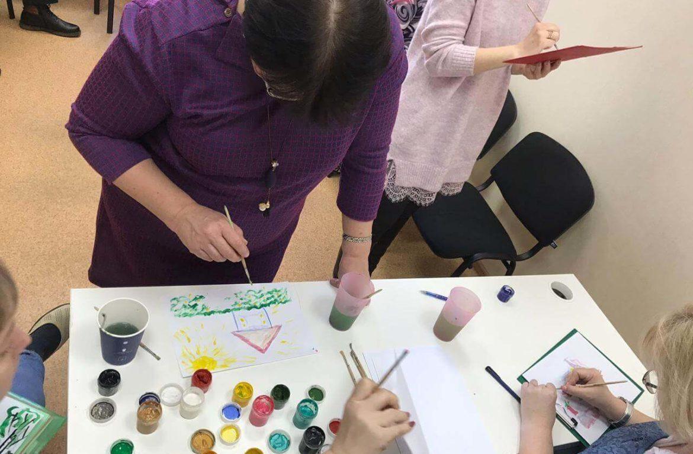 """В АНО """"Чистое Небо""""прошла школа для созависимых, с элементом арт-терапии"""