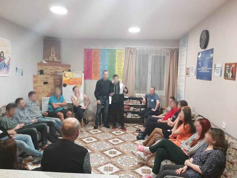 Наркологический центр «Чистое небо» поздравили женщин с 8 марта